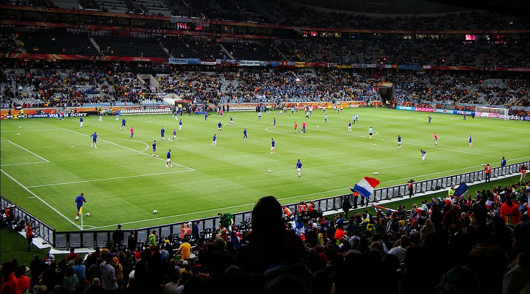 1280px-Uruguay_vs_France_2010_World_Cup