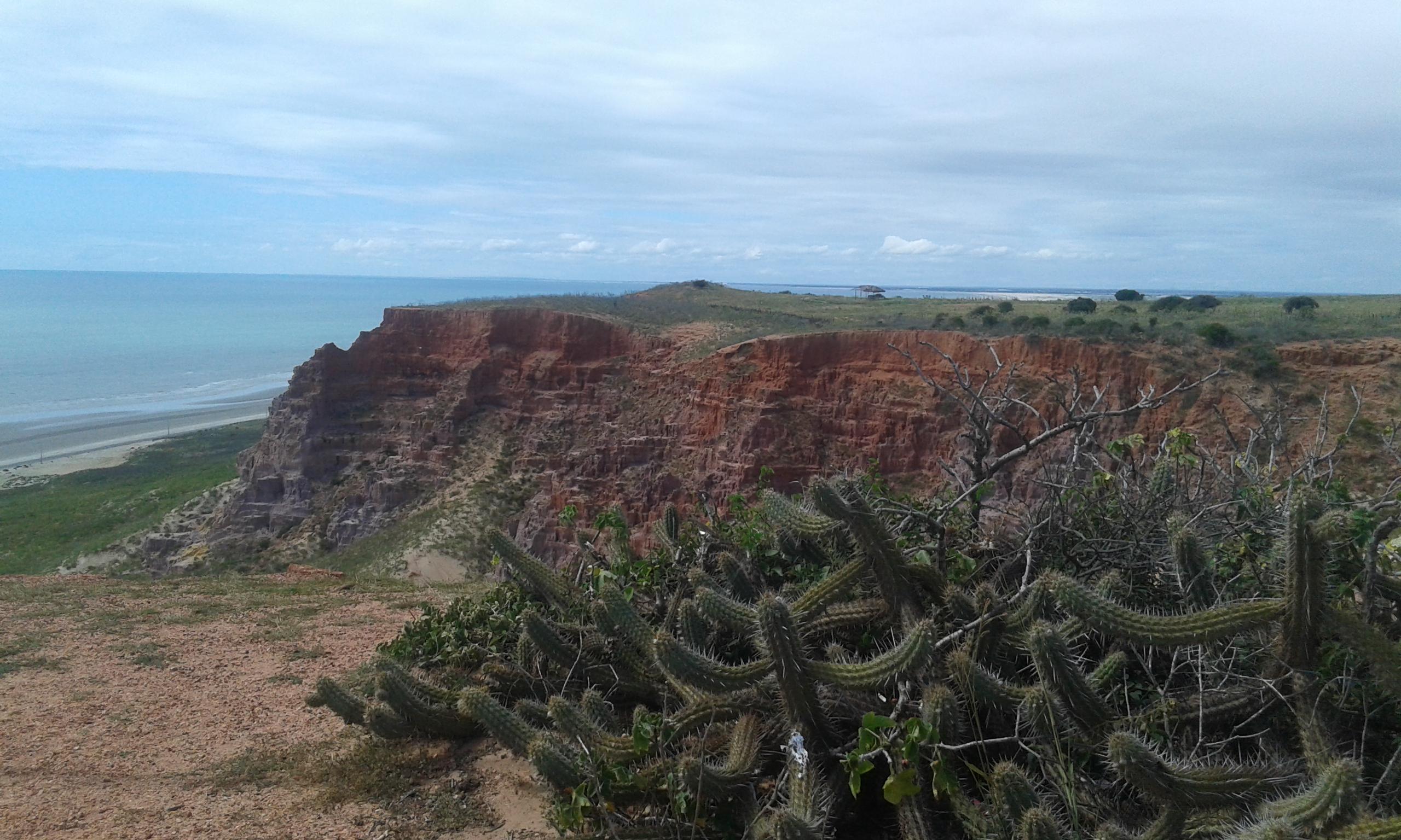 La vue sous la Pointe du Miel à Areia Branca. (Crédit photo: Fabio Santana).