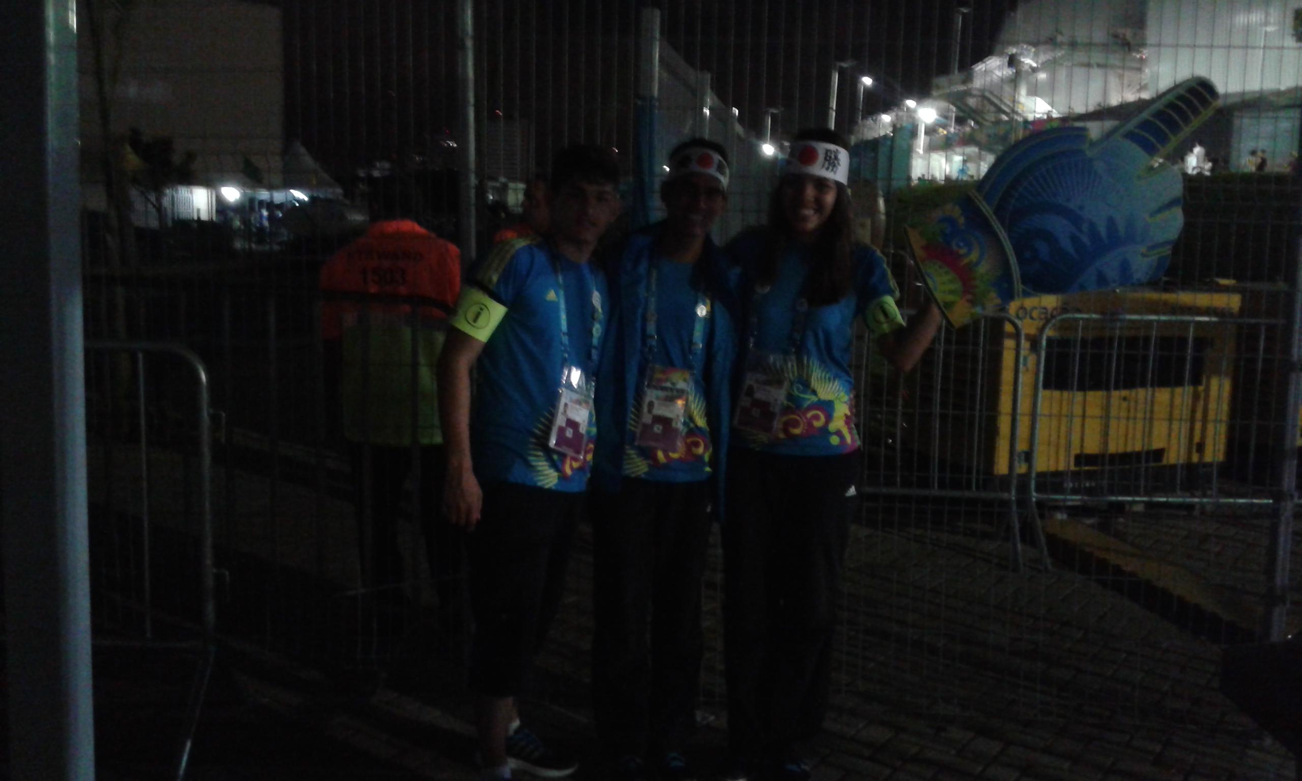 L'un groupe de volontaires de la FIFA aidaient les supporters durant l'entrée d'eux au stade. (Crédit photo: Fabio Santana).