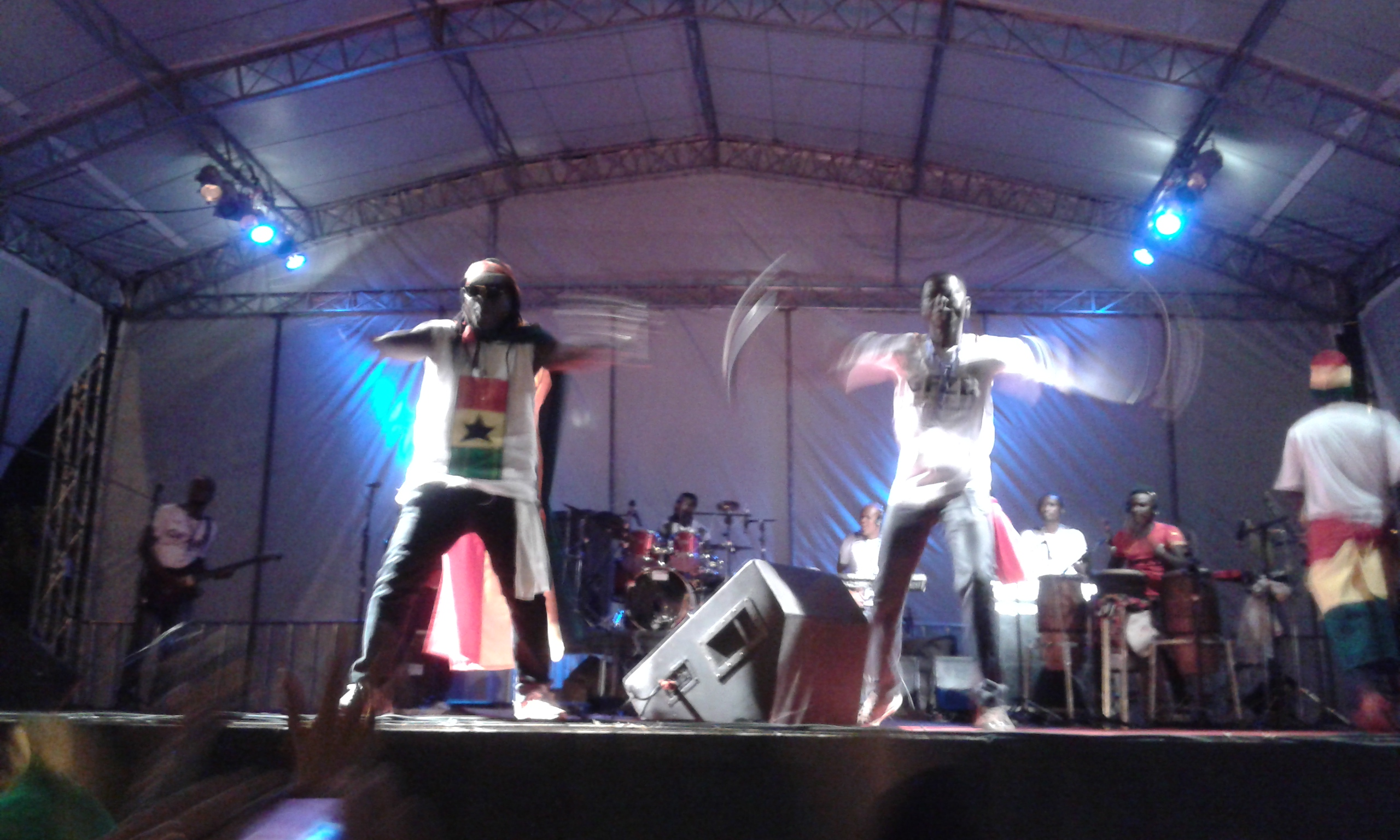 L'une grande présentation de la groupe ghanéenne Shabo Crew pendant le Festival Ghana - Brésil à Natal, aprés le match Ghana - États-Unis à Natal. (Crédit Photo: Fabio Santana).