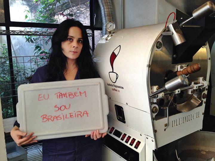 """Isabella a fait le tour de la toile brésilienne ces derniers. Elle a posté sur le compte Facebook de son entreprise de café, un texte oú elle explique qu'elle souffre de discrimination de part sa condition privilégiée. Certains """"privilégiés blancs"""" ont pris la parole pour répondre á l'opinion publique qui ont dénoncés ceux qui ont hués Dilma Roussef, jeudi lors du match d'ouverture."""
