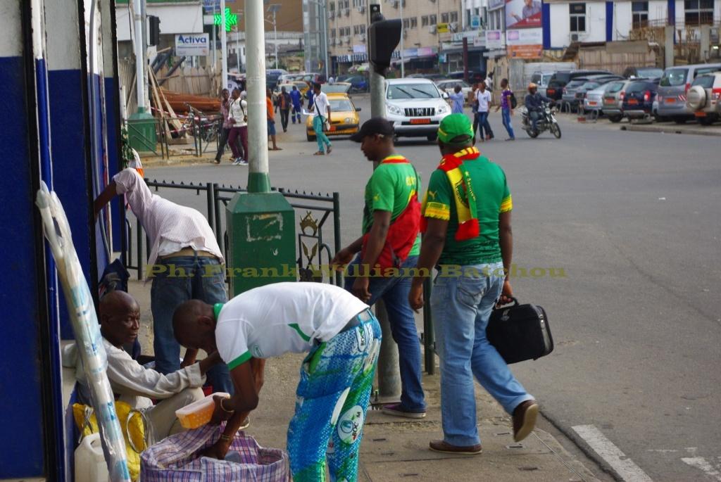 Les supporters camerounais dans la ville