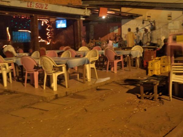 Carrefour Iptec Yaoundé. Les supporters désertent les débits de boisson  18/06/2014