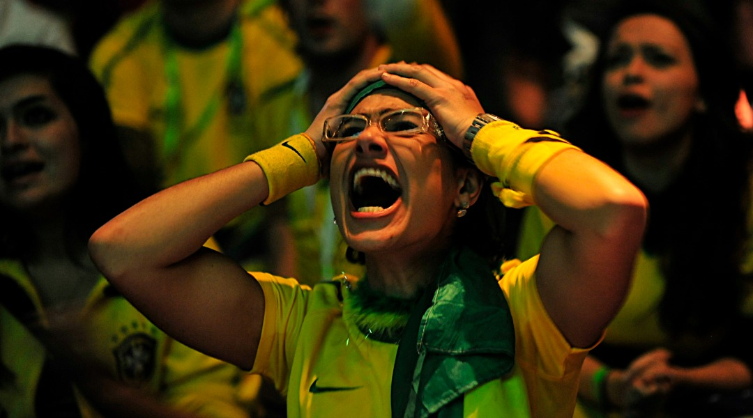 Brazil_fans_in_Johannesburg_react_to_Brazil's_loss_to_Holland_in_World_Cup_quarterfinals_2010-07-02_2