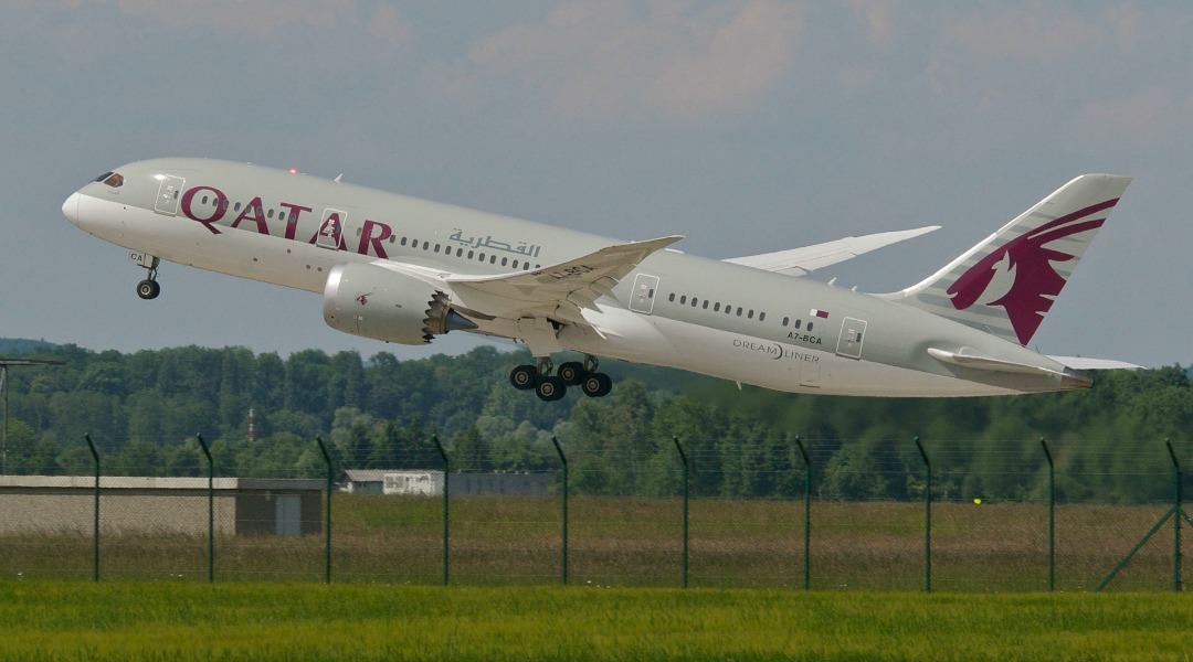 Qatar_Airways_Boeing_787-800_Dreamliner;_A7-BCA@ZRH;08_06_2013_709dn_(8997819827)