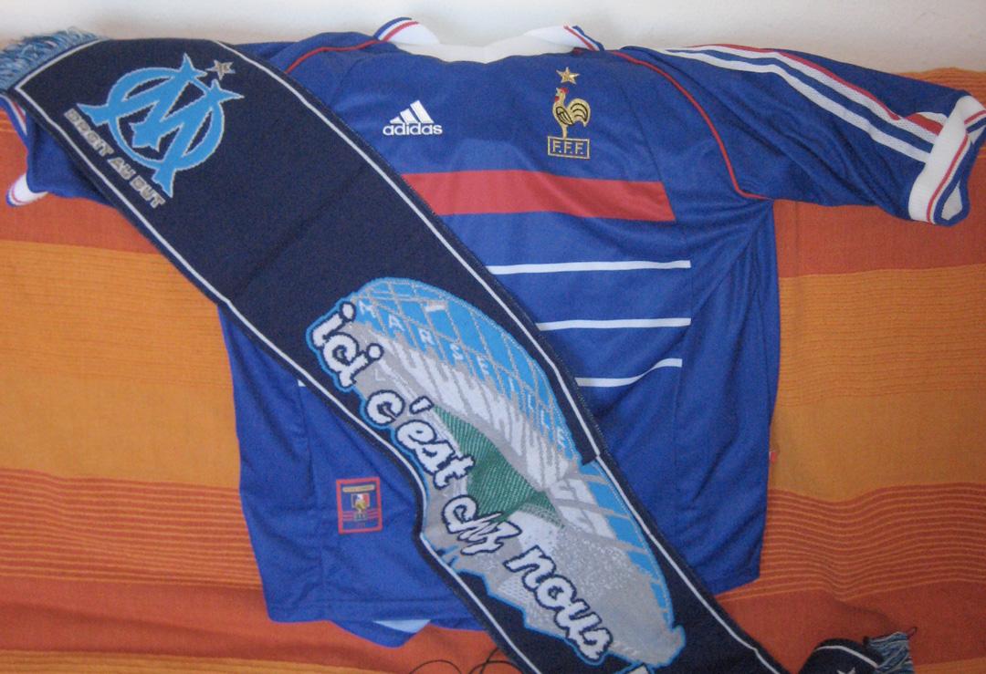 J'ai aussi un beau maillot de l'équipe de France de 1998 © S.H