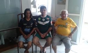 Les supporters João Silva (ABC), José Castro (Alecrim) et Gilberto Cavalcanti (América), ils pensent que l'Arena des Dunas survivra l'avenir. (Crédit photo: Fabio Santana).